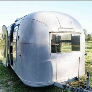 Vintage 1964 AIRSTREAM Overlander Land Yacht $18,000