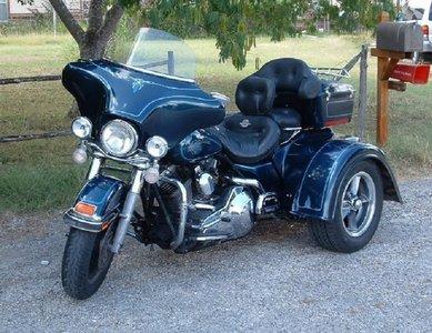 Trike at mailbox.jpg