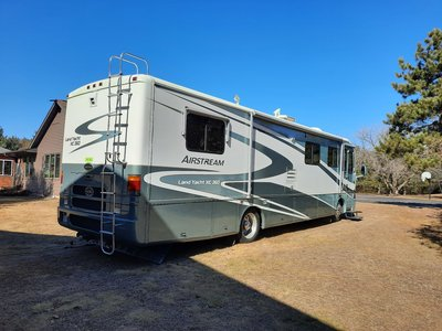 2001 36 ft Airstream Landyacht Motorhome